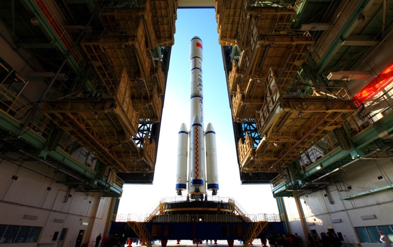 """When Will China's """"Heavenly Palace"""" Space Lab Fall Back to Earth?"""