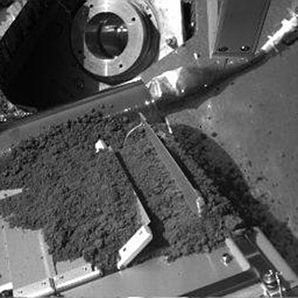 Phoenix Mars Lander Chokes on Clumped Soil