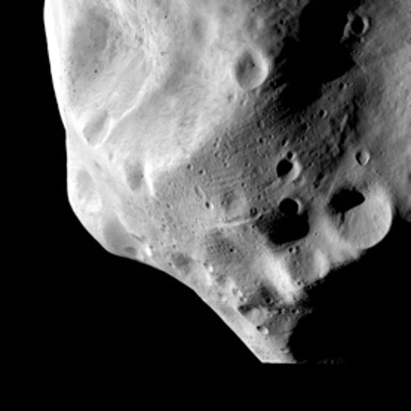 Comet-Chasing Rosetta Spacecraft Gets an Up-Close Look at Asteroid Lutetia [Slide Show]