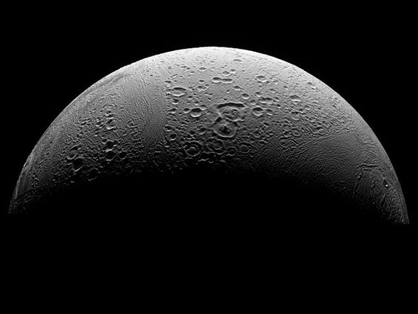 NASA Probe to Dive through Saturn Moon's Icy Plume