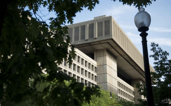 FBI pressures Internet providers to install surveillance software