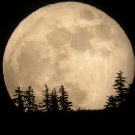 Supermoon to Rise in Weekend Sky