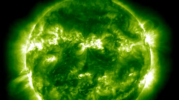 """Planet-Size """"Waves"""" Spotted in the Sun's Atmosphere"""