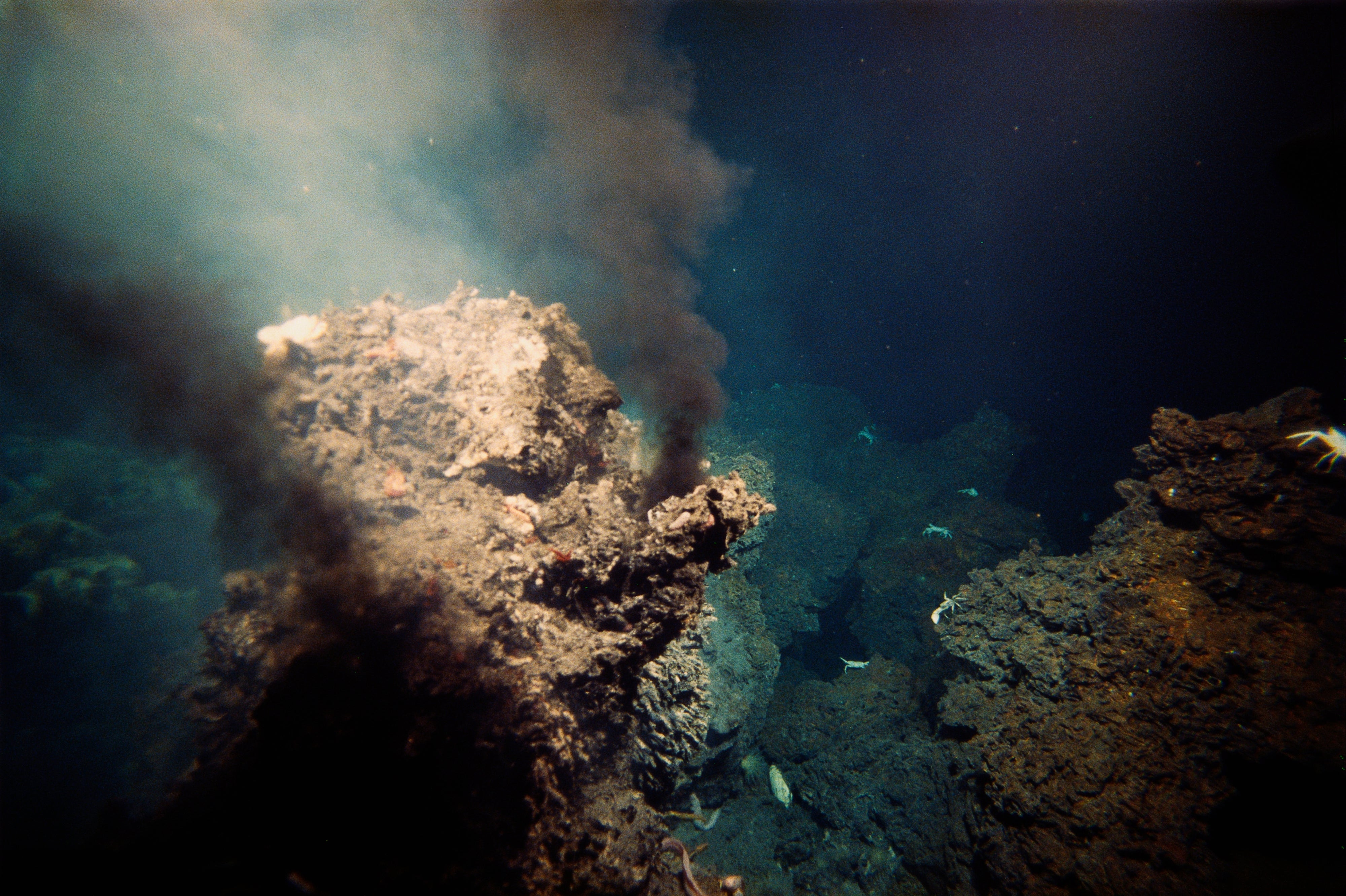 Seafloor Miners Poised to Cut into an Invisible Frontier