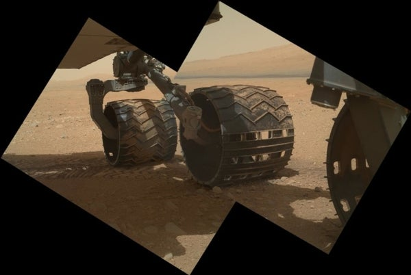 Drive Time: Curiosity Rover Ready to Roll toward First Martian Destination