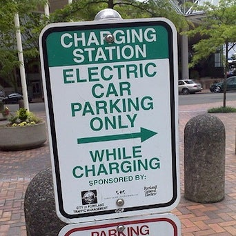 M.I.T. Panel Says a Charging Infrastructure May Be a Bigger Roadblock for Electric Vehicles Than Technology