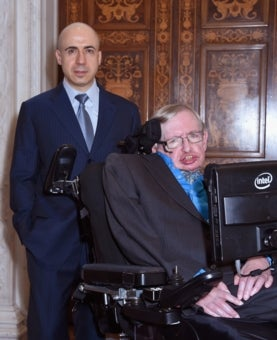 A photograph of Yuri Milner and Stephen Hawking