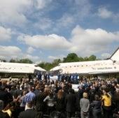 HUGE CROWD: