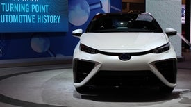 Lack of Cheap, Clean Hydrogen Slows Fuel-Cell Cars