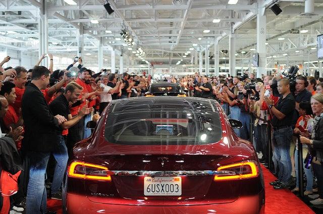 Elon Musk's Tesla Picks Nevada to Host Battery Gigafactory