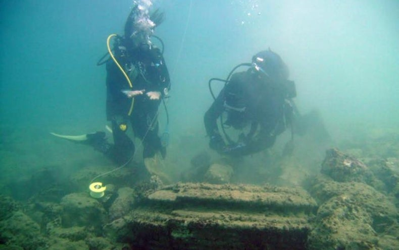 """Underwater """"Lost City"""" Built by Microbes?"""