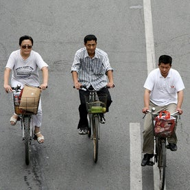 Car-Clogged Chinese Cities Encourage a Return to Bicycles