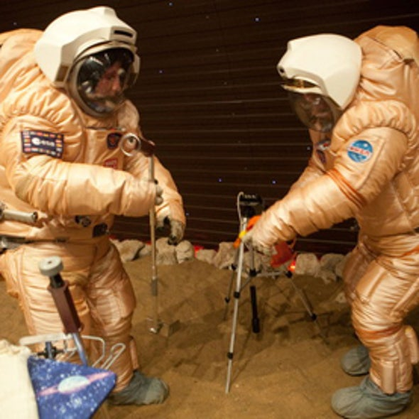 """6 Mock Mars Explorers Emerge from 17-Month """"Mission"""""""