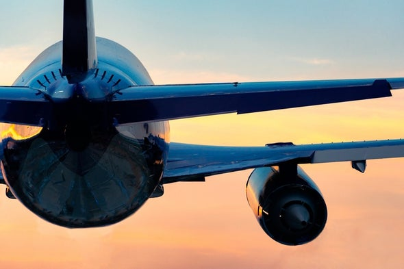 Rising Emissions Overshadow Airlines' Fuel-Efficiency Gains