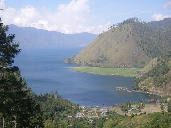 Magnitude 6.5 Earthquake Hits Indonesia, Killing Nearly 100