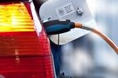 汽车公司的碳中性承诺受到了各种各样的评论。
