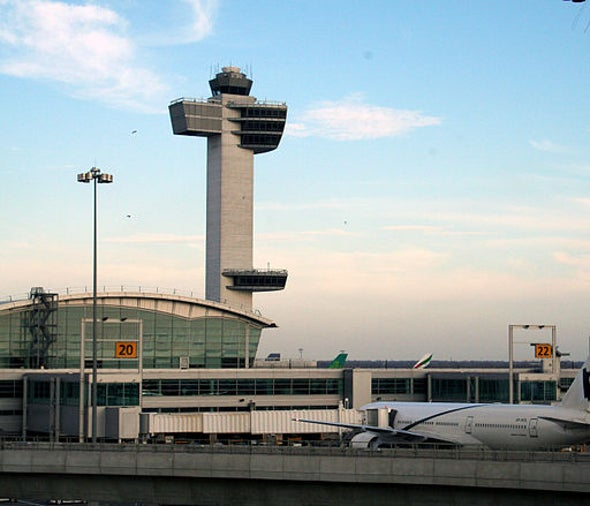U.S. Unveils Fever Screening for Ebola Symptoms at 5 Airports
