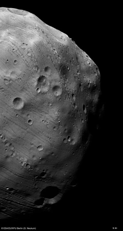 Mars Express buzzes Phobos, one of the Red Planet's two tiny moons