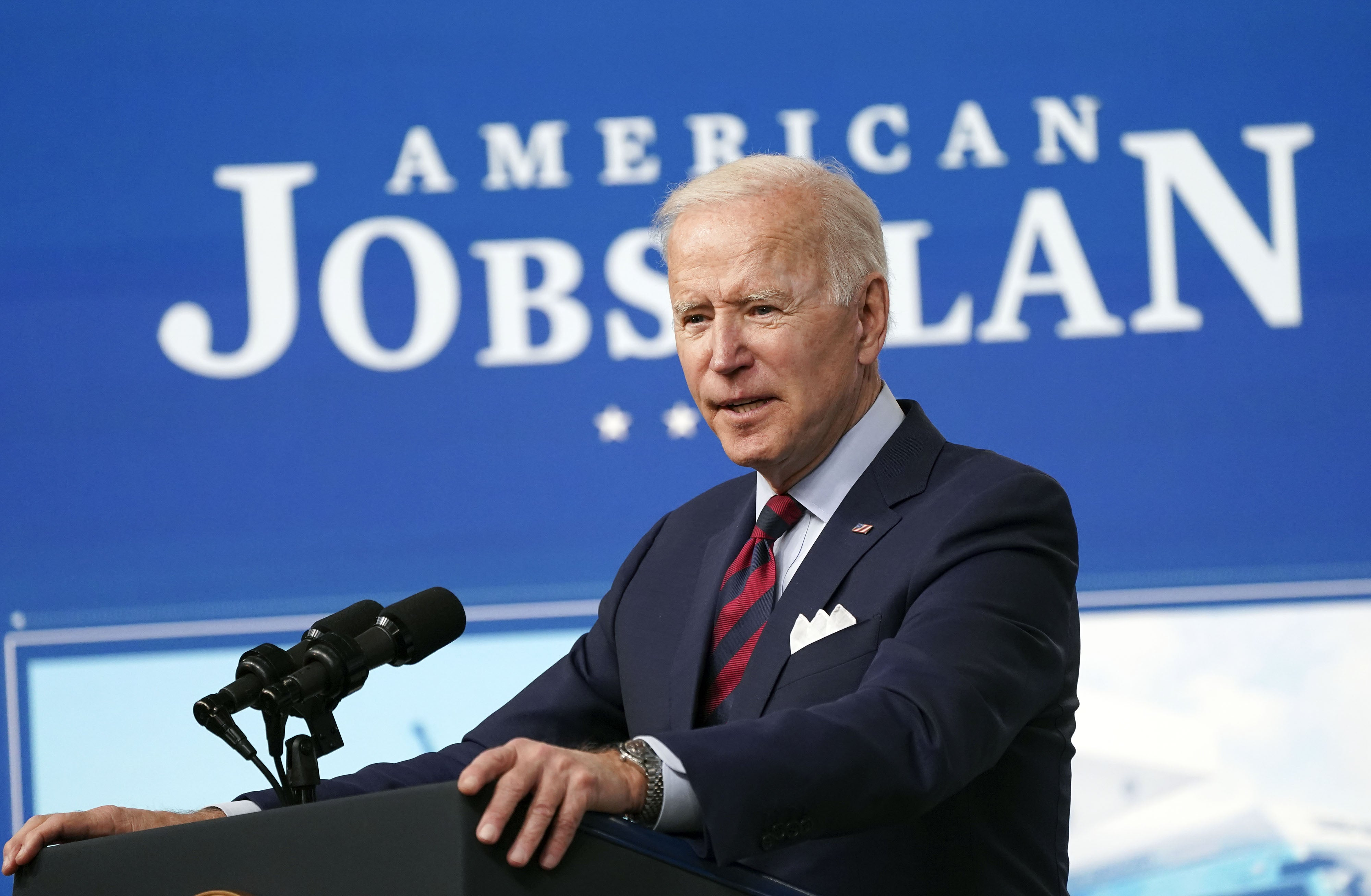 Biden Says Infrastructure Is the Pillar of his Climate Plan