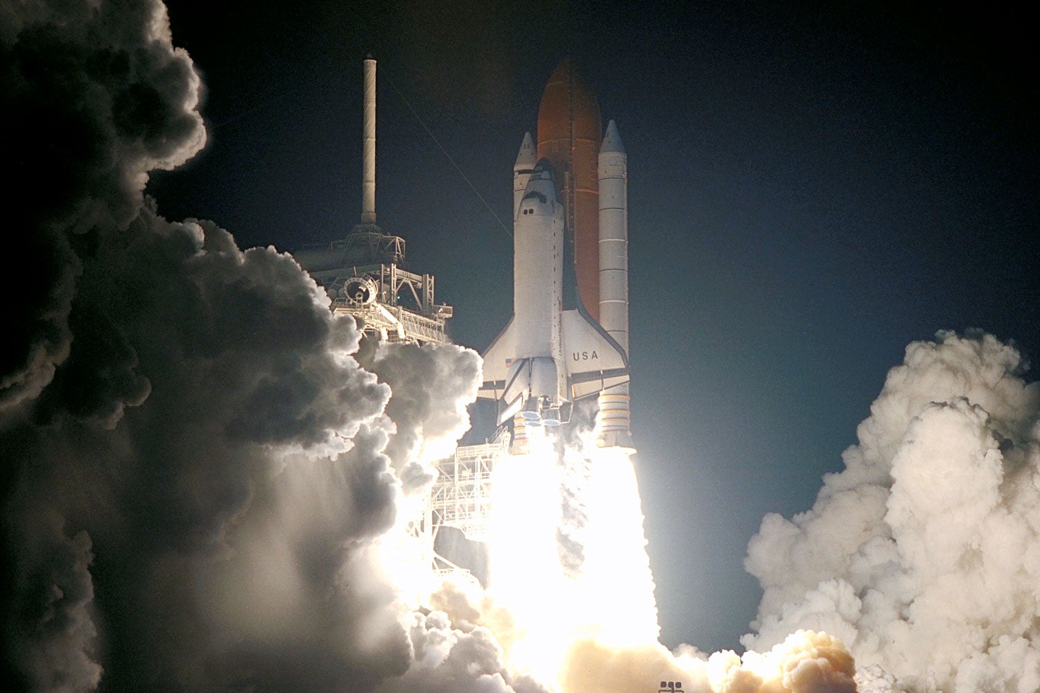 photo of space shuttle Columbia