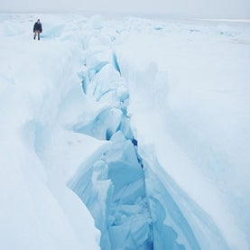 greenland-meltwater-lake-crevasse