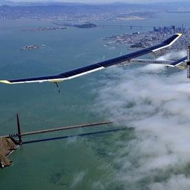 solar-impulse-airplane-golden-gate-bridge