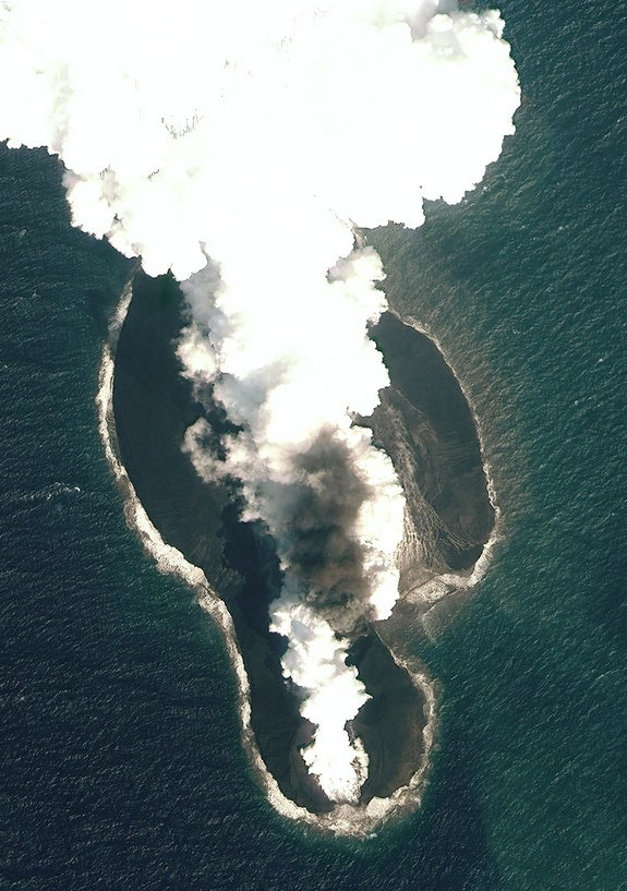 Red Sea Parts for 2 New Islands