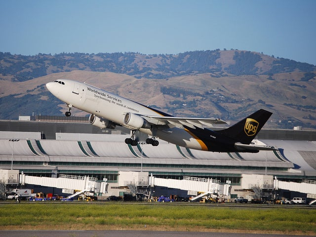 Aviation Industry Looks to Solve a Carbon Problem