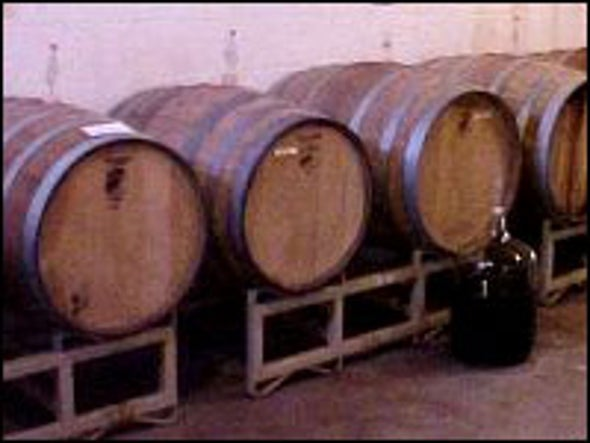 Oak Barrels May Sweeten Red Wine's Anti-Cancer Potential