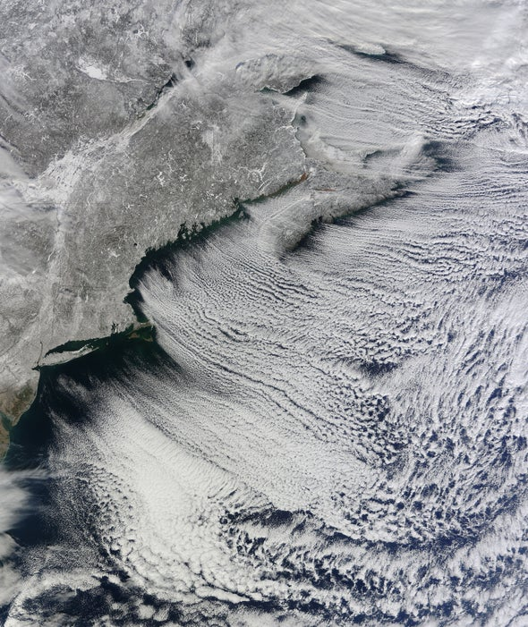 """""""Cloud streets"""" feather North America's storm-lashed eastern coast"""