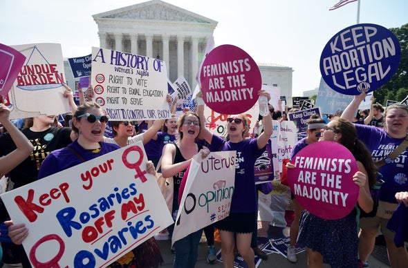 Supreme Court Strikes Down Texas Abortion Clinic Regulations