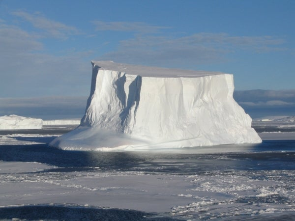 Rapid Thinning of Antarctic Glacier Has 8,000-Year-Old Precedent