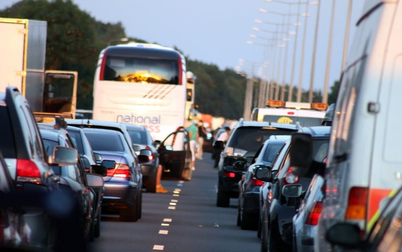 Higher Dementia Risk Linked to Living Near Heavy Traffic