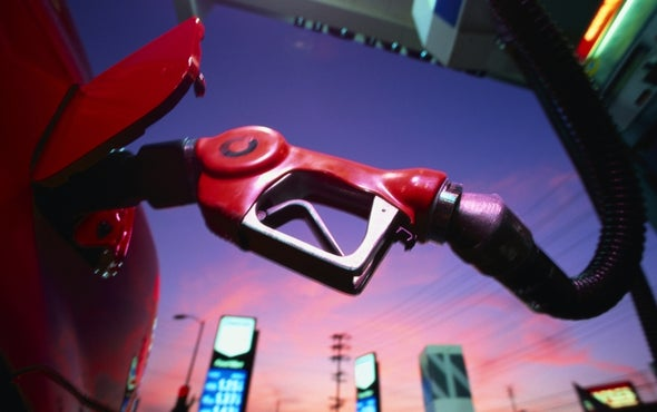 """Gas Stations Slap Cap-and-Trade """"Cost"""" Labels on Pumps"""