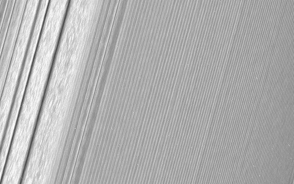 NASA's Latest Saturn Images Run Rings around Earlier Pix
