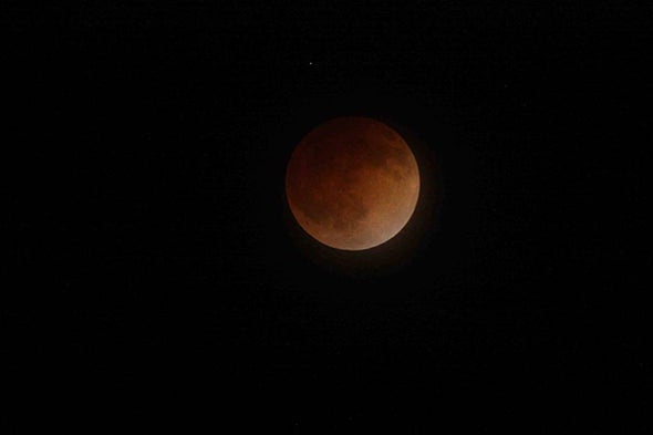 """Sunday's """"Supermoon"""" Total Lunar Eclipse: When and Where to See It"""