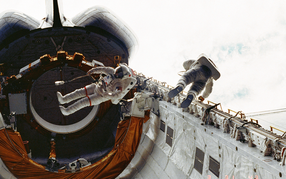 Pioneering NASA Astronaut Don Peterson Dies at 84