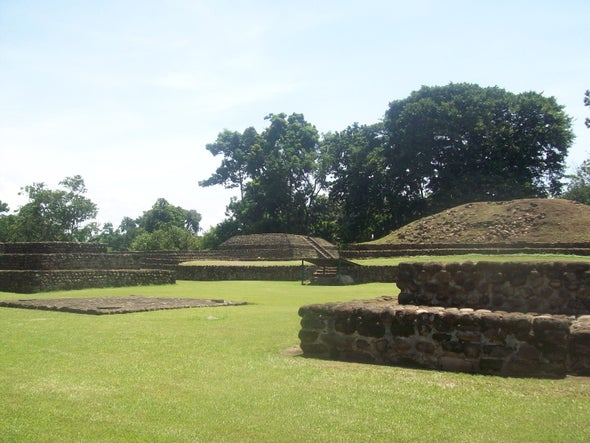 "Скрити паметници и ""предградия"", открити в древното царство на Изапа"