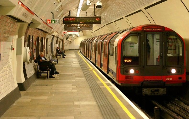 Google's AI Reasons Its Way around the London Underground