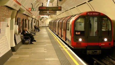 Google's AI Reasons Its Way around the London Underground