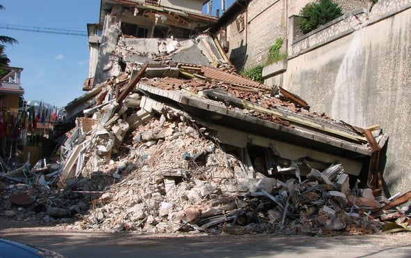 Deadly Italian Quake Strikes 40 Kilometers from L'Aquila