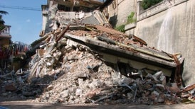 Deadly Italian Quake Strikes 40 Kilometers from L'Aquila