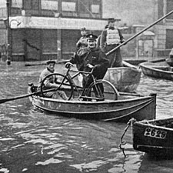 100 Years Ago: The Flooding of Paris
