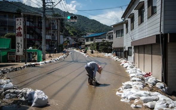 Searing Summer Heat Follows Killer Floods in Japan