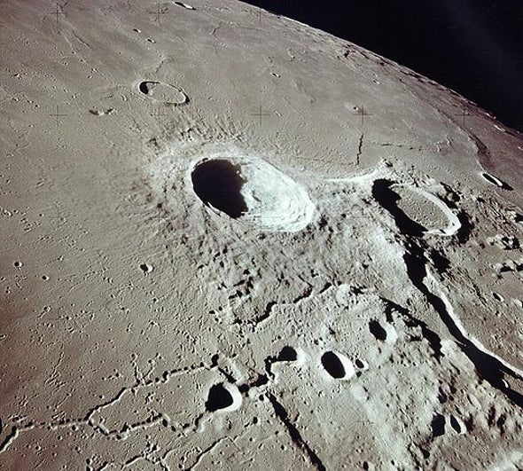 Europe Proposes Joint Moon Trips with Russia