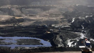 Beijing Finds That Dropping Coal Is Hard to Do