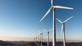 Giant Turbines Propel Boom in Wind Energy