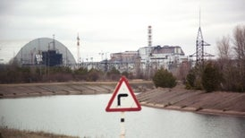 Engineers Race to Entomb the Decaying Chernobyl Reactor [Video]