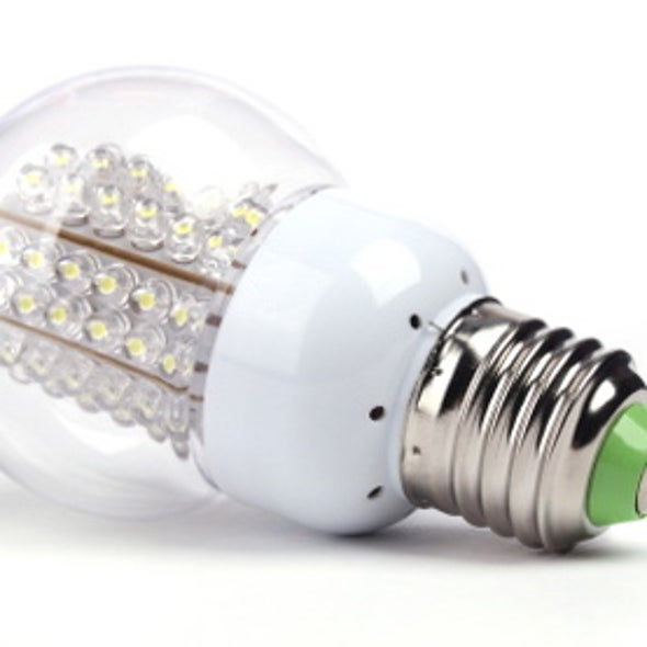 Obama, Campaigning on Clean Energy, Champions LED Bulbs