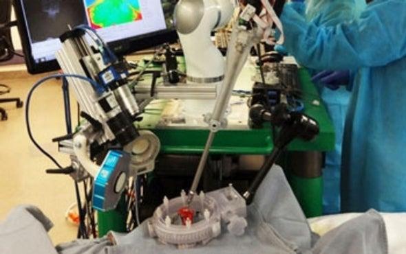 Robo-Surgeon Successfully Sews Pig Intestine
